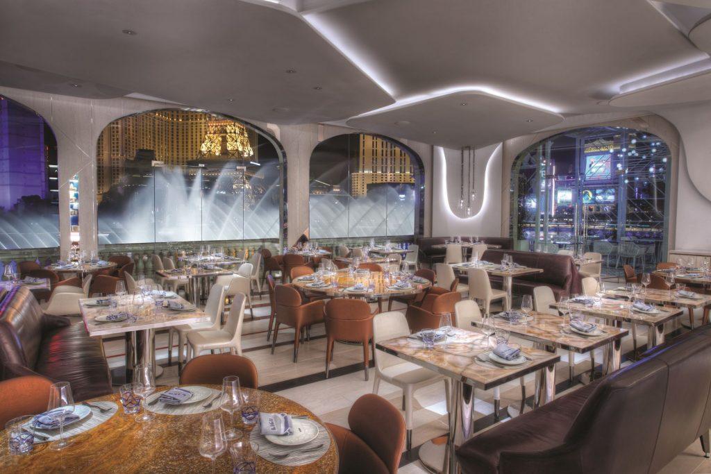 Bellaigo_Lago_Dining_Room_Fountain