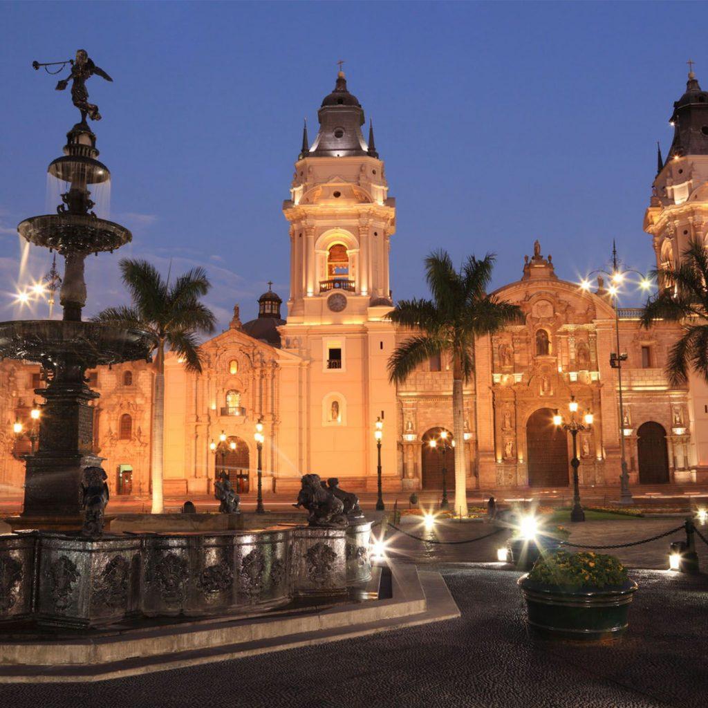 Plaza-Mayor-lima